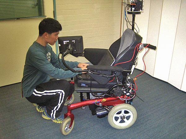 Robot wheelchair